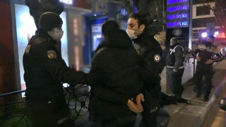 Polislere küfür edip üzerlerine yürüdüler!