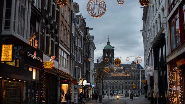 Hollanda'da korona kısıtlamaları 2 Mart'a kadar uzatıldı