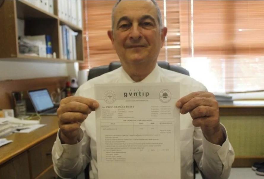 Aşı yaptıran profesörün antikor sonuçlarını gören fikrini değiştirdi