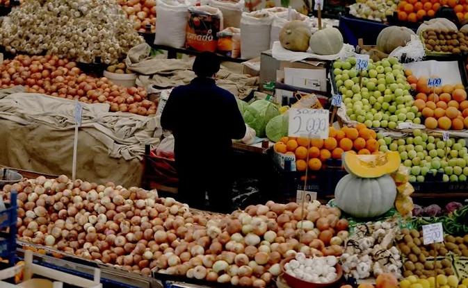 O ilimizde halk pazarları yasaklandı