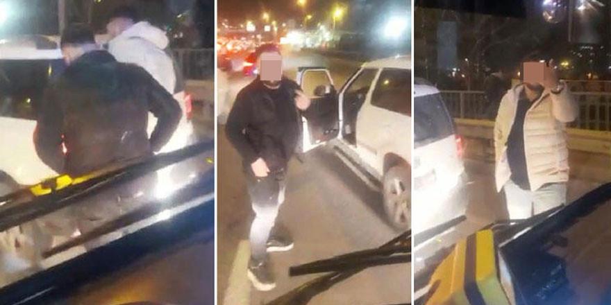 İstanbul'da İETT otobüsünün önünü kesip tehdit yağdırdılar