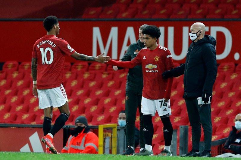 Futbolun ''muhteşem çocuğu'' ilk Premier lig maçına çıktı - Resim: 3
