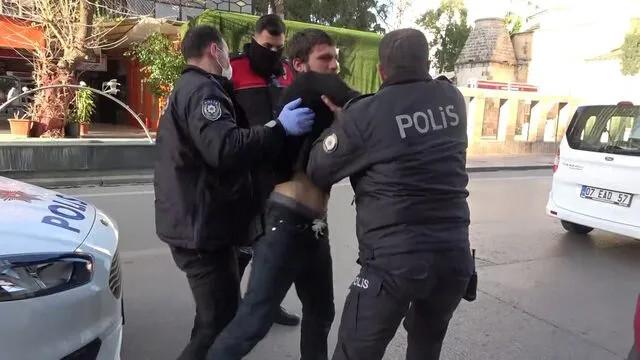 Metruk binaya giren şüpheli, polislere saldırdı!