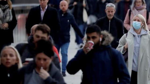 İngiltere'de aşılama sonrası yasaklar gevşetiliyor