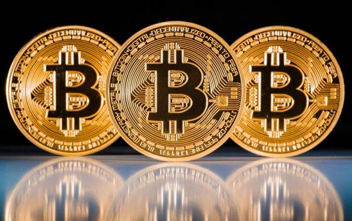 Tarihi zirveyi gören Bitcoin sert düştü!