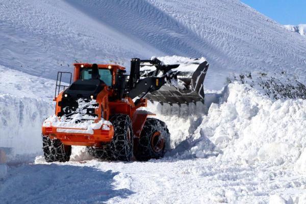 Van'da 3 metre karla yoğun mücadele - Resim: 3