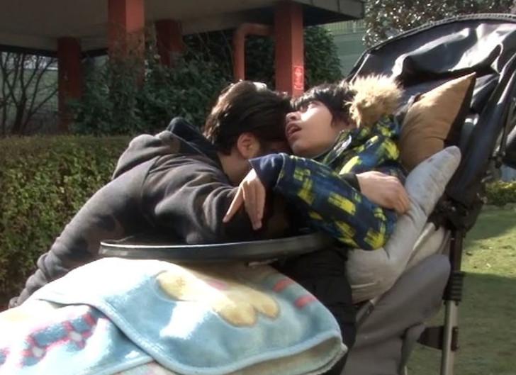Çılgın Sedat'ın evinde yangın! Engelli oğluna sarılıp ağladı - Resim: 2