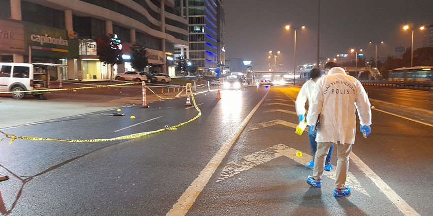 İstanbul'da geceyarısı silahlı kavga