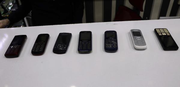 Tuşlu telefonlara talep patladı - Resim: 3