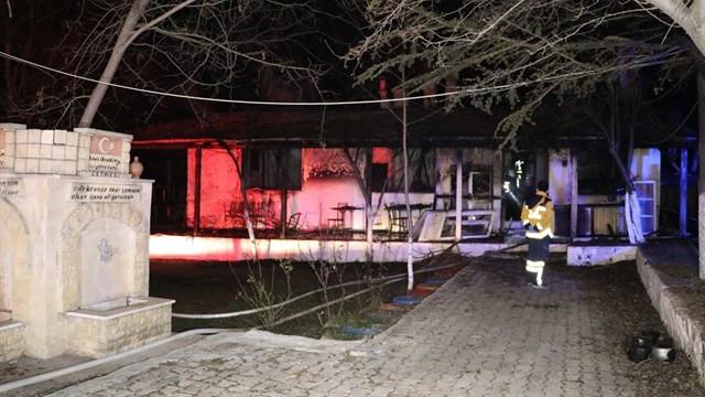 Restoranda yangın! 3 kişi hayatını kaybetti
