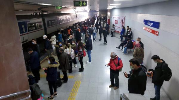 Metroda intihar şoku! Trenin önüne böyle atladı