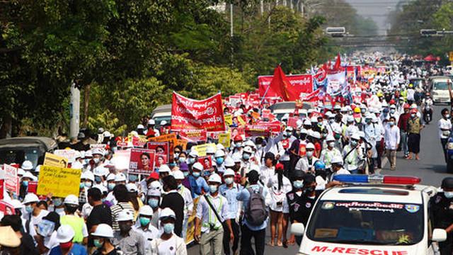 Myanmar'da darbe karşıtı gösterilerde çok sayıda gözaltı