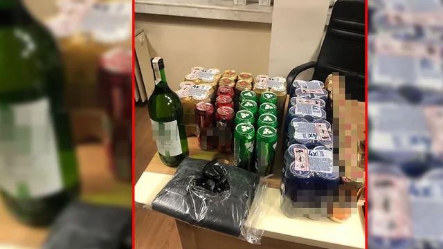Kısıtlamada içki satarken yakalandılar!