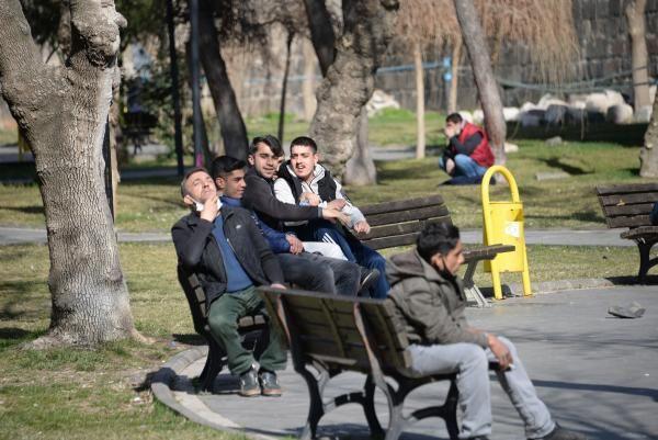 Diyarbakır'da da koronavirüs kısıtlamaları unutuldu - Resim: 2