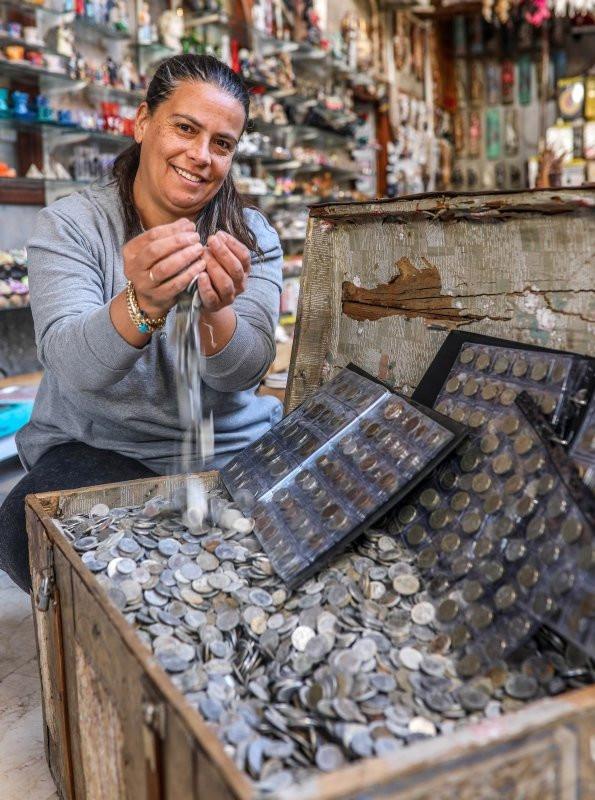Antalya'da ağzına kadar para dolu define sandığı bulundu! - Resim: 2