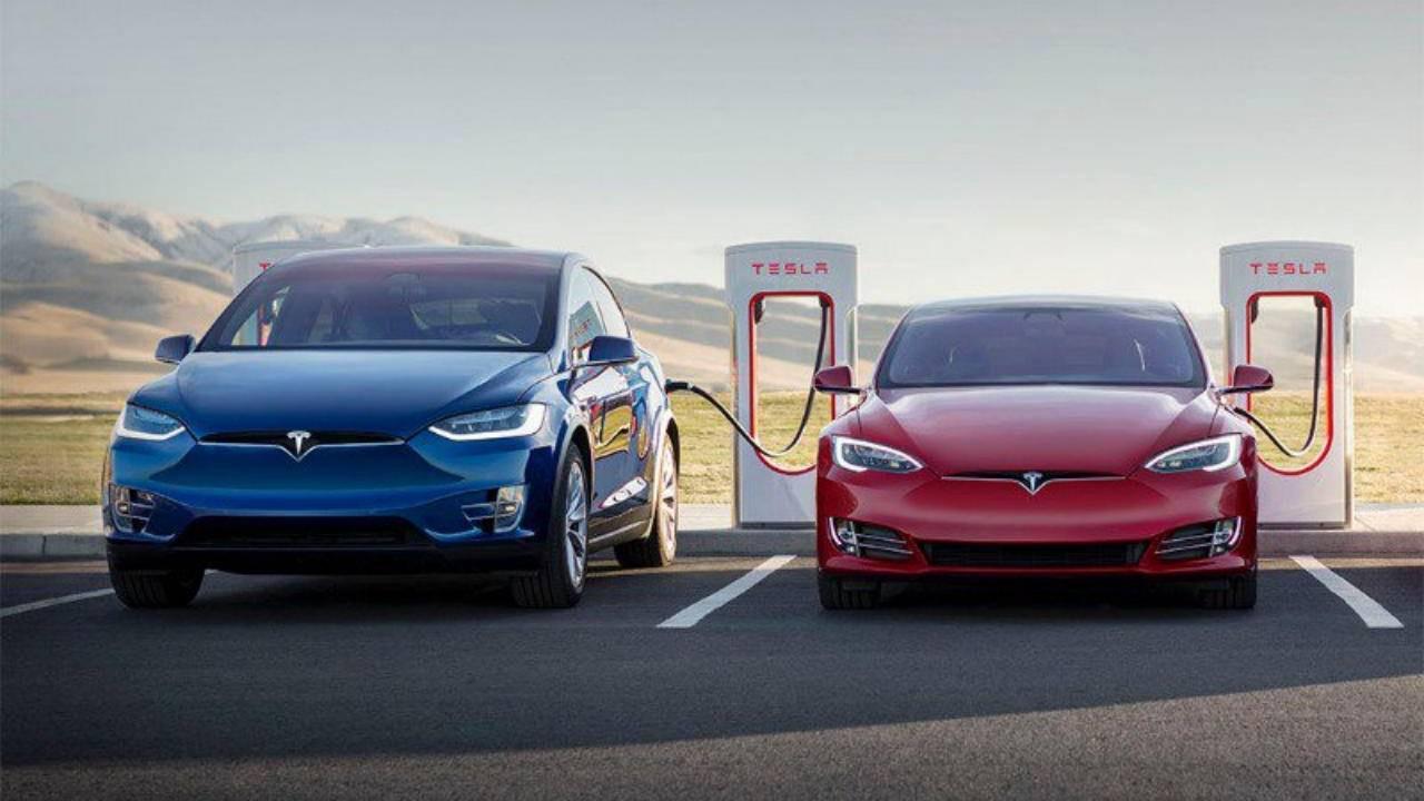 Tesla 135 bin aracı geri çağıracak