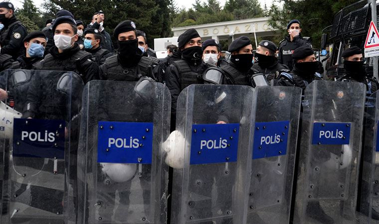 Boğaziçi'nde gözaltına alınan 51 kişi adliyeye sevk edildi