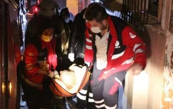 İstanbul'da yaşlı kadın yanmaktan son anda kurtuldu