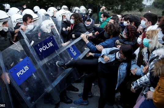 İstanbul Valiliği açıkladı: ''58'i silahlı terör örgütleriyle irtibatlı!''