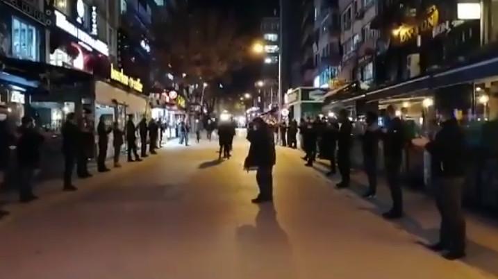 Ankara'da esnaf sokağa indi! Kapatma kararına karşı toplu eylem