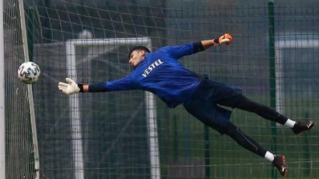 Premier Lig ekiplerinden Uğurcan Çakır'a sıkı takip