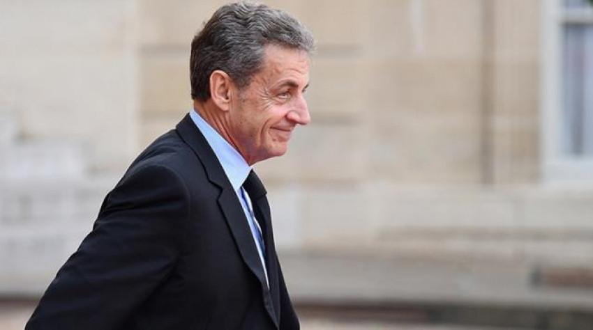 Fransa eski Cumhurbaşkanı Sarkozy'e hapis cezası!