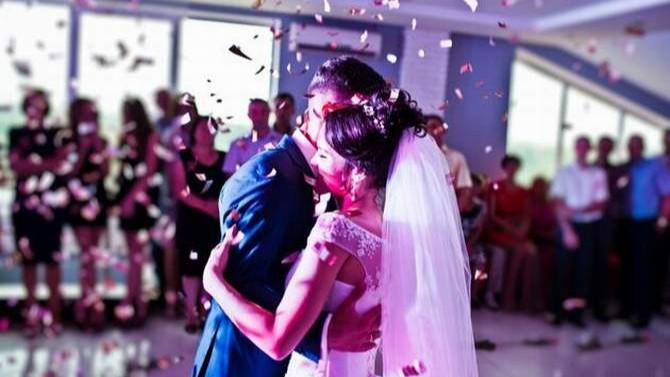 Yeni ''normalde'' düğün ve nikahlar nasıl yapılacak?