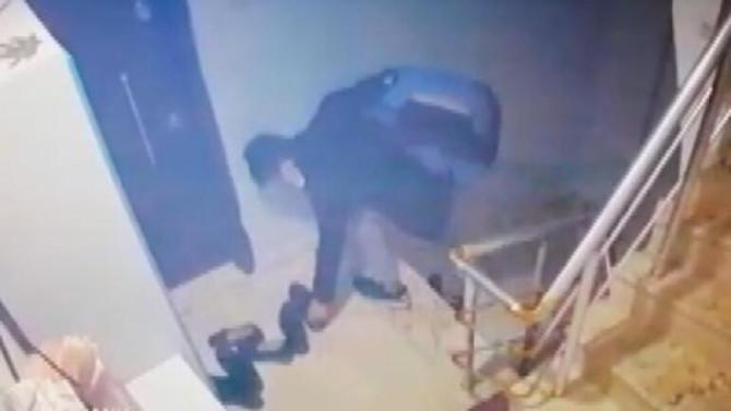 Sultangazi'ye dadanan hırsızı vatandaşlar yakaladı