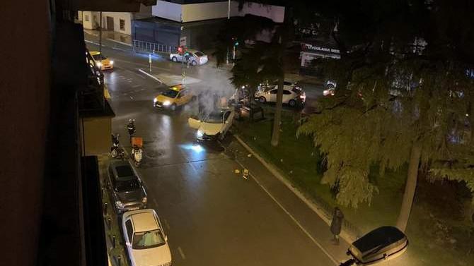 Alex De Souza'nın heykeline araç çarptı