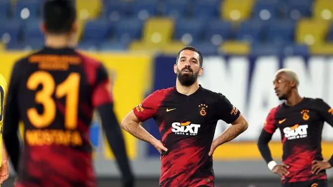 Galatasaray kaybetti, Kartal zirveye uçtu!