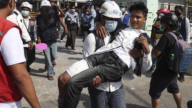Myanmar'daki gösterilerde can kaybı 33'e yükseldi