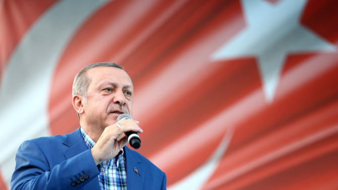 """Avrasya Araştırma'dan ezber bozan """"Erdoğan ve ..."""" anketi"""