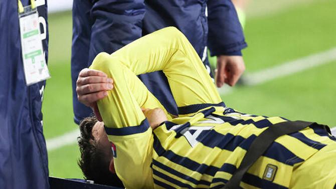 Fenerbahçe'ye Mesut Özil şoku! Ayak bileği döndü
