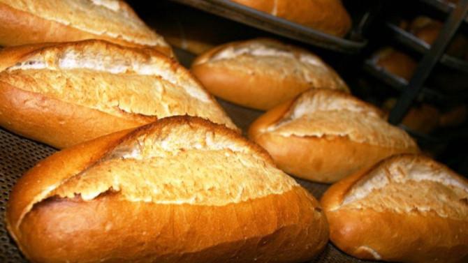 Bu mu kıskanılan Türkiye ? Vatandaş 1 TL'lik bayat ekmek kuyruğunda!