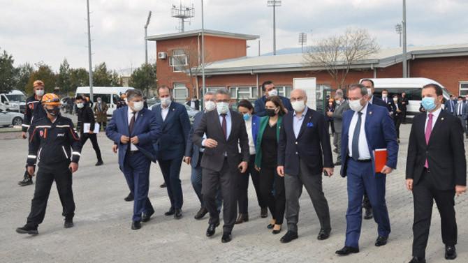 TBMM Deprem Araştırma Komisyonu İzmir'de toplandı