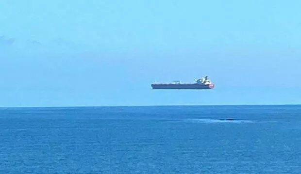 Uçan gemi görenleri hayrete düşürdü - Resim: 2