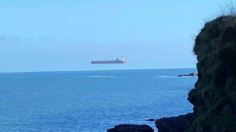 Uçan gemi görenleri hayrete düşürdü - Resim: 1