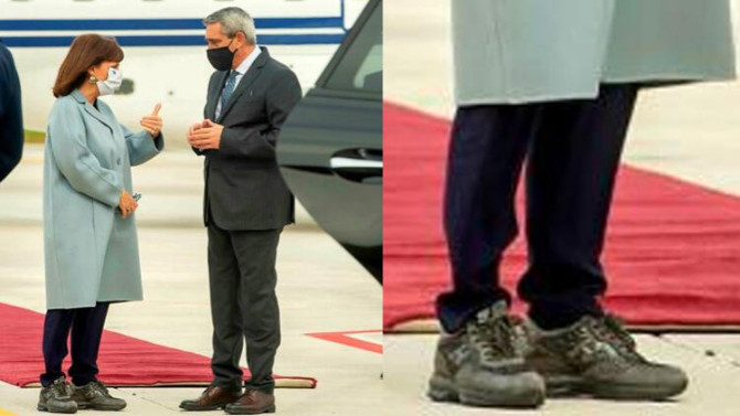 Yunanistan Cumhurbaşkanı'nın ayakkabısı olay oldu