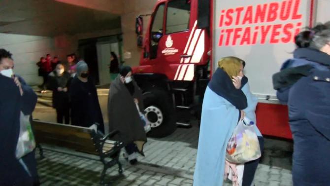 İstanbul'da hastanede yangın; hastalar tahliye edildi!
