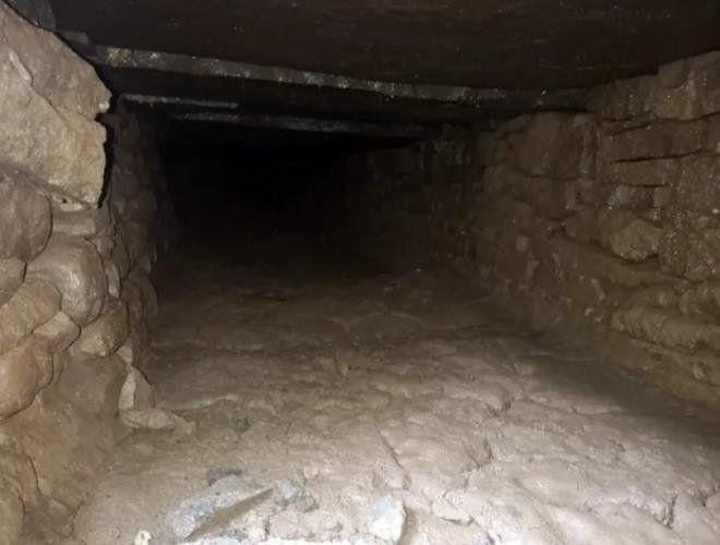 Elektrikçiler yaptıkları kazıda tesadüfen buldu - Resim: 4