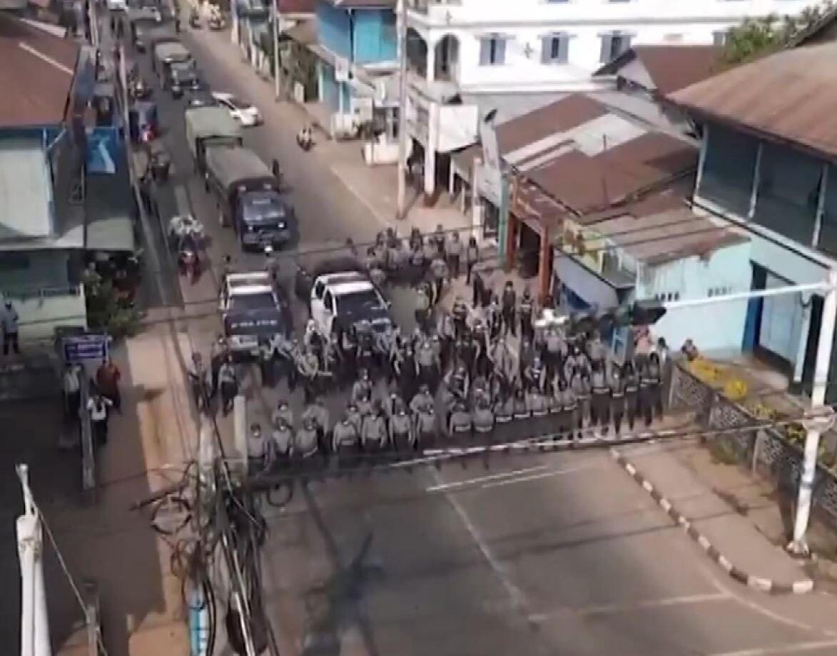 Myanmar'da korkunç talimat: Ölene kadar ateş edin - Resim: 1