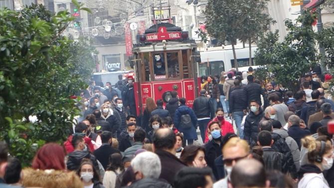 İstanbul'da yeni koronavirüs tedbiri: İstiklal Caddesi kapatıldı!