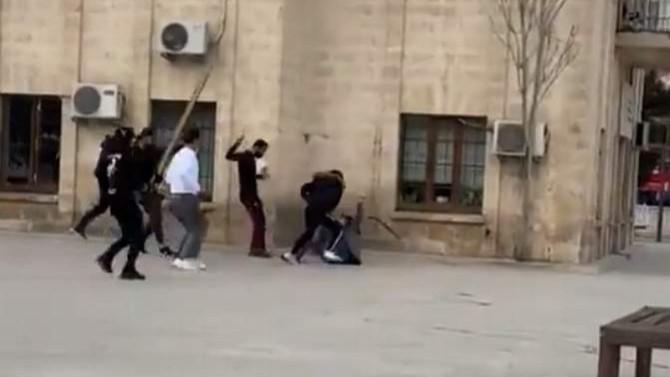 Suriyelilerden Suriyeliye linç girişimi kamerada!