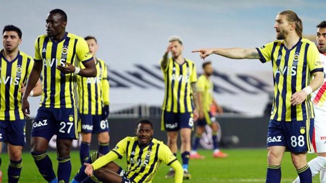 Fenerbahçe'de Caner Erkin krizi çözüldü