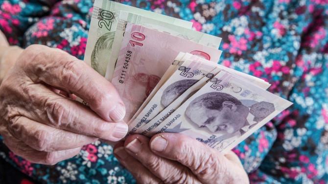 Emeklinin bir maaş hayali daha SGK'dan döndü!
