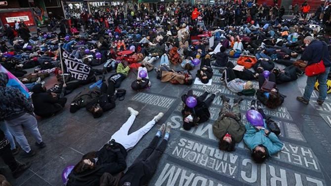 New York'ta yüzlerce kişi Breonna Taylor için toplandı