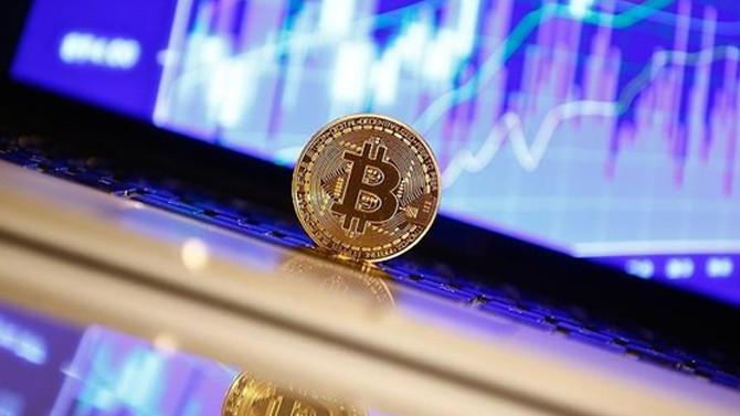 Yükselişi durmuyor! Bitcoin tarihi zirvesini gördü