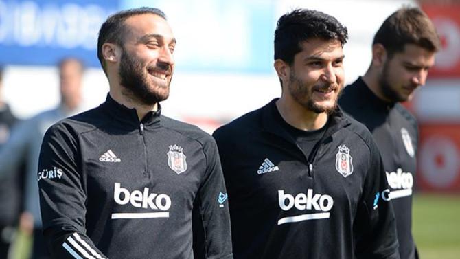 Cenk Tosun'dan Beşiktaşlılara kötü haber