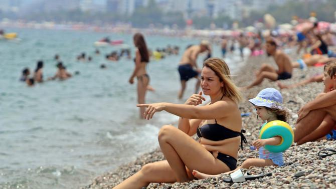 Avrupalı turist Türkiye'ye erken rezervasyon sırasında