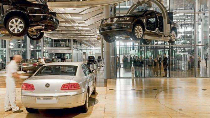 Volkswagen ile Tesla büyük rekabete hazırlanıyor